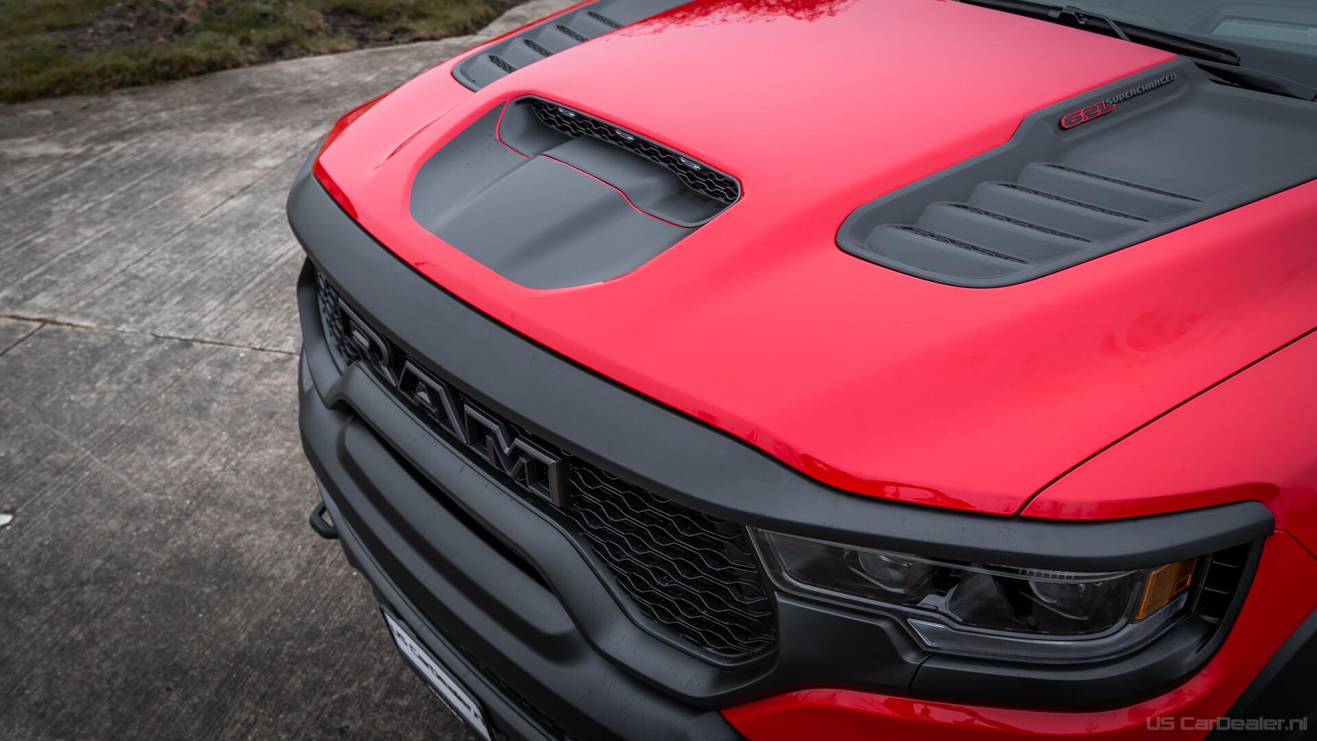 TRX-Motorhaube